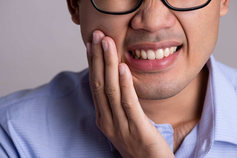 5 Home Remedies to Calm Down Inflamed Gums 1